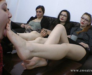 Slave Girl Worships 3 Princess Feet