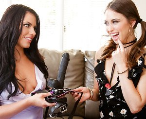 Adriana Chechik & Riley Reid in