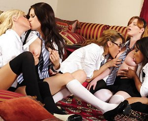 Five sexy young lesbians in